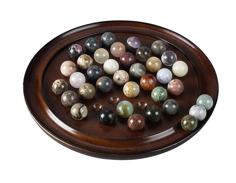 Precious Stones Solitaire Game