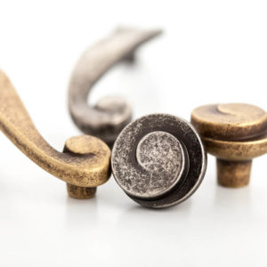 Cabinet Handles and Knobs (5)
